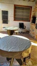 Aluga-se casa mobiliada