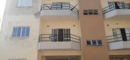 Alugo apartamento de dois quartos