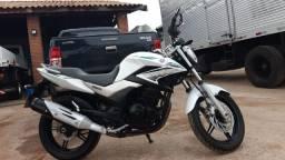 Moto Yamaha 2016