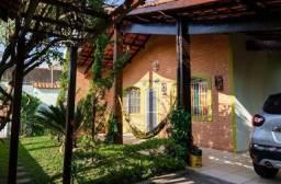 YS05- Casa 4 dormitórios em Ponta da Fruta