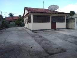 Título do anúncio: Casa com 4 quartos no Centro de Araruama perto de tudo Região dos Lagos