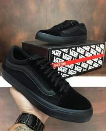 Tênis Vans all black