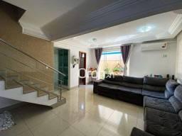 Título do anúncio: Sobrado com 3 dormitórios à venda, 198 m² por R$ 650.000,00 - Parque Anhangüera - Goiânia/