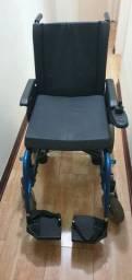 Cadeira de rodas motorizada (usada e conservada)