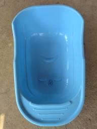 Título do anúncio: Banheira azul