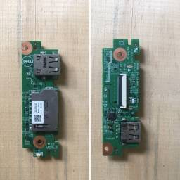 Placa com conector USB e entrada para cartão de memória