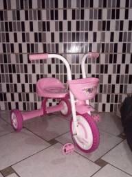 Vendo triciclo semi-novo