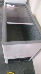 Freezer horizontal 410lts tampa de vidro Gelopar