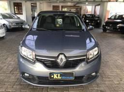 Renault- Logan Expression 1.0 Flex Manual