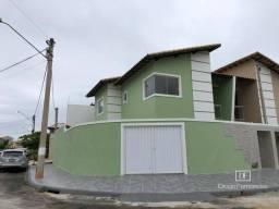 Casa duplex novinha no Vale das palmeiras com 3 quartos e piscina! Confira.