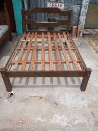 Título do anúncio: Vende cama boa de casal madeira pura