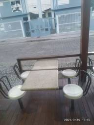 Título do anúncio: Linda mesa de marmore com 4 cadeiras