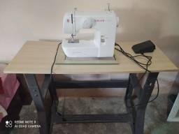 Máquina de costura Singer Start Nova