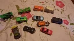 Carrinhos e Brinquedos