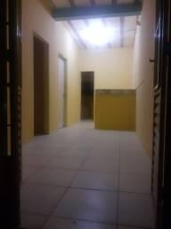 Aluga-se casa 1 andar em Fragoso R$ 350