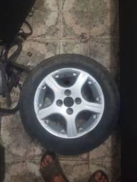 Jogo de roda 14 pneus muito bons