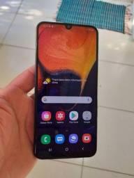 Galaxy A50 semi novo.