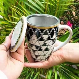 Canecas de porcelana com infusor para chá