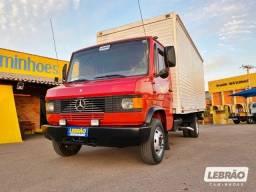 Mercedes Benz 710 com Bau