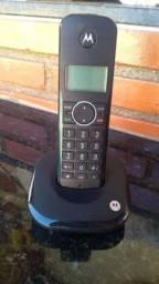 Telefone fixo Motorola.