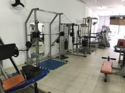 Academia seminova equipamentos musculação
