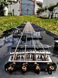 Contra-Baixo produzido a mão por Luthier