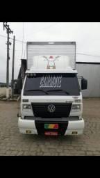 Caminhão baú 8150 - 2003
