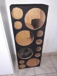 Caixa para 4 alto-falante . tem capa para proteção chuva