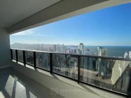 Apartamento Novo de 3 Suítes e 3 Vagas em Balneário Camboriú