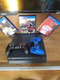 PS4 mais 2 manetes originais