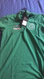 Camisa Goiás na etiqueta