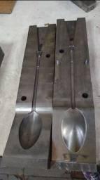 Molde coquilha para fabricar colheres