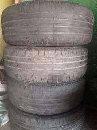 Vende-se esses quatro pneu por 300 reais