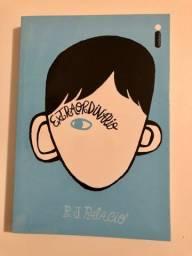 Livro 'Extraordinário'