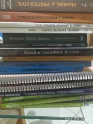 Livros, pilha de livros por R$10