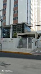 Apartamento à venda, com 2 quartos, sendo 1 suíte no Maurício de Nassau em Caruaru-PE.