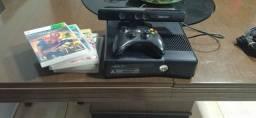 Xbox 360 slim 4gb com kinect  + 5 Jogos (Desbloqueado)