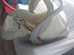 Título do anúncio: Vende-se bebê conforto em perfeito estado