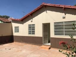Título do anúncio: Casa para venda com 250 metros quadrados com 2 quartos em Residencial Monte Carlo - Goiâni