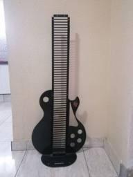 Porta CDs em forma de guitarra