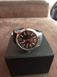 Vende-se este Lindo Relógio da Marca Technos Original.