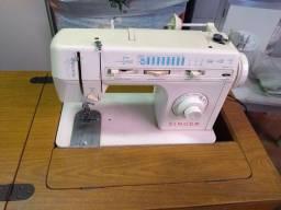 Máquina costura várias funções Singer