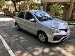 Toyota Etios Sedan 1.5X 2018 Prata com 89.700Km