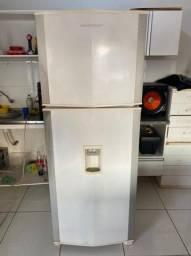 Título do anúncio: Vendo Geladeira Brastemp Frost Free Duplex 440lts Com Dispenser de Água - Entrega Grátis