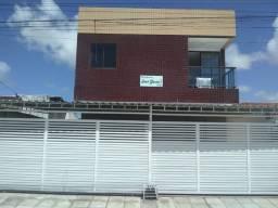 Vende-se apartamento de 2 quartos em Mangabeira