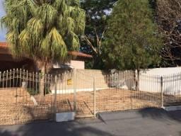 Título do anúncio: Vendo Casa de esquina no bairro Jardim Califórnia