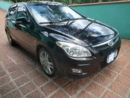 Hyundai 1 30  2.0 automatico, com teto solar.