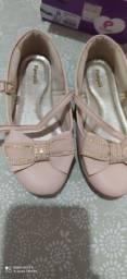 Combu de calçados infantil.      100$