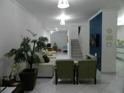 Ótima casa de 04 quartos na orla - 300m da praia de Taperapuan em Porto Seguro