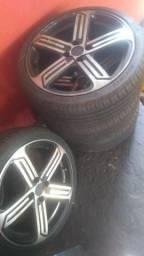 Vendo roda 17 semi nova acompanha pneus